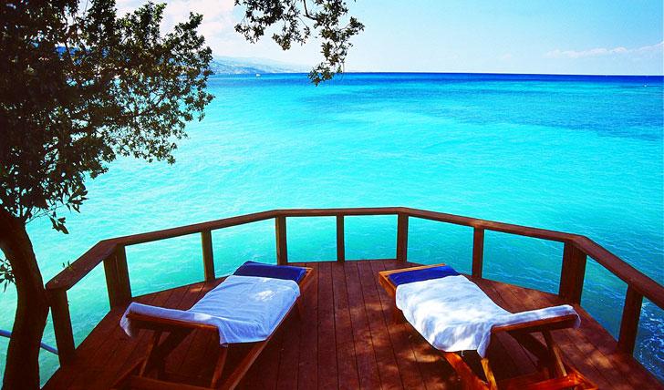 Enjoy the sumptuous ocean views