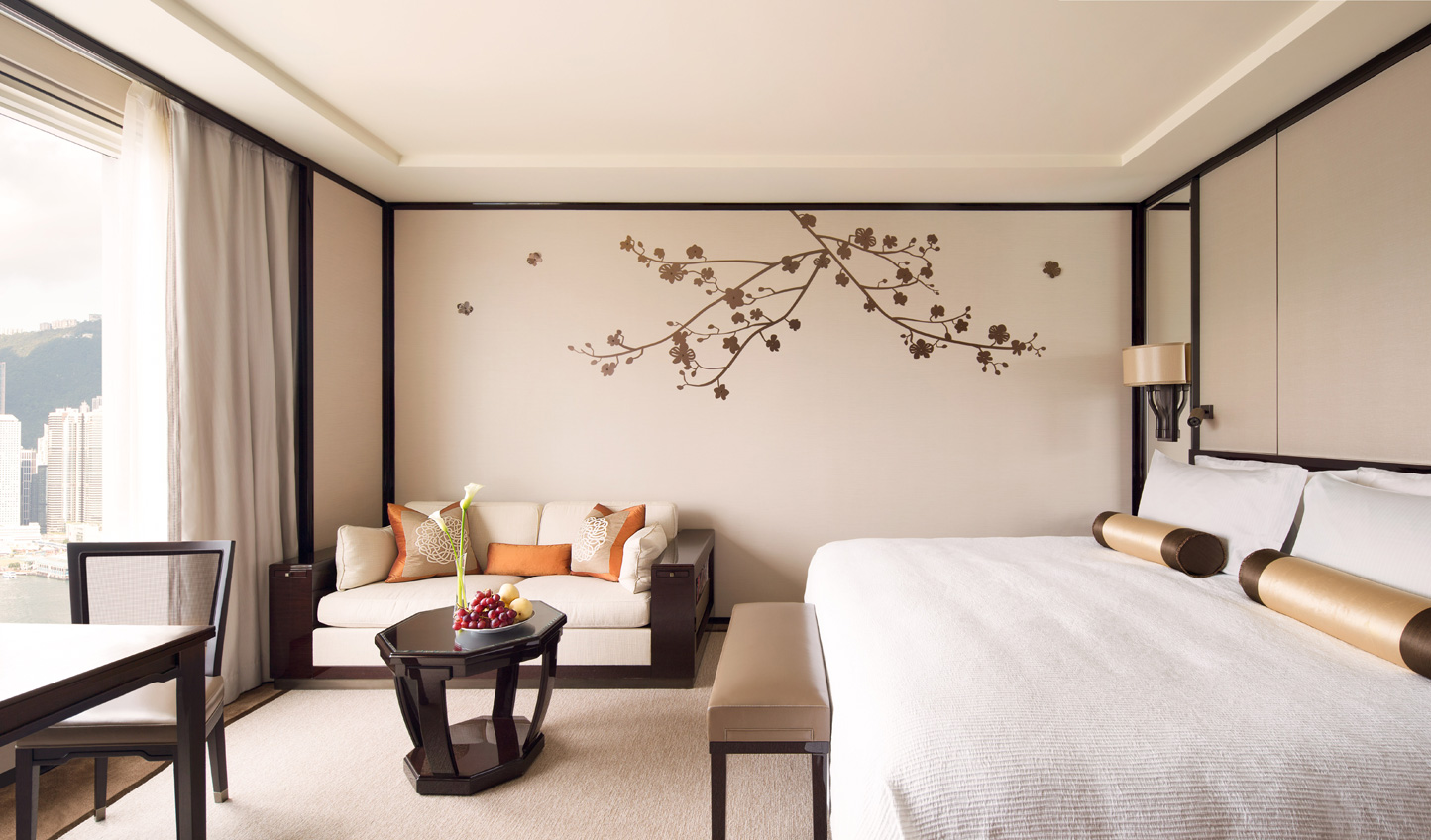 Delicate decor allows the views to take centre stage
