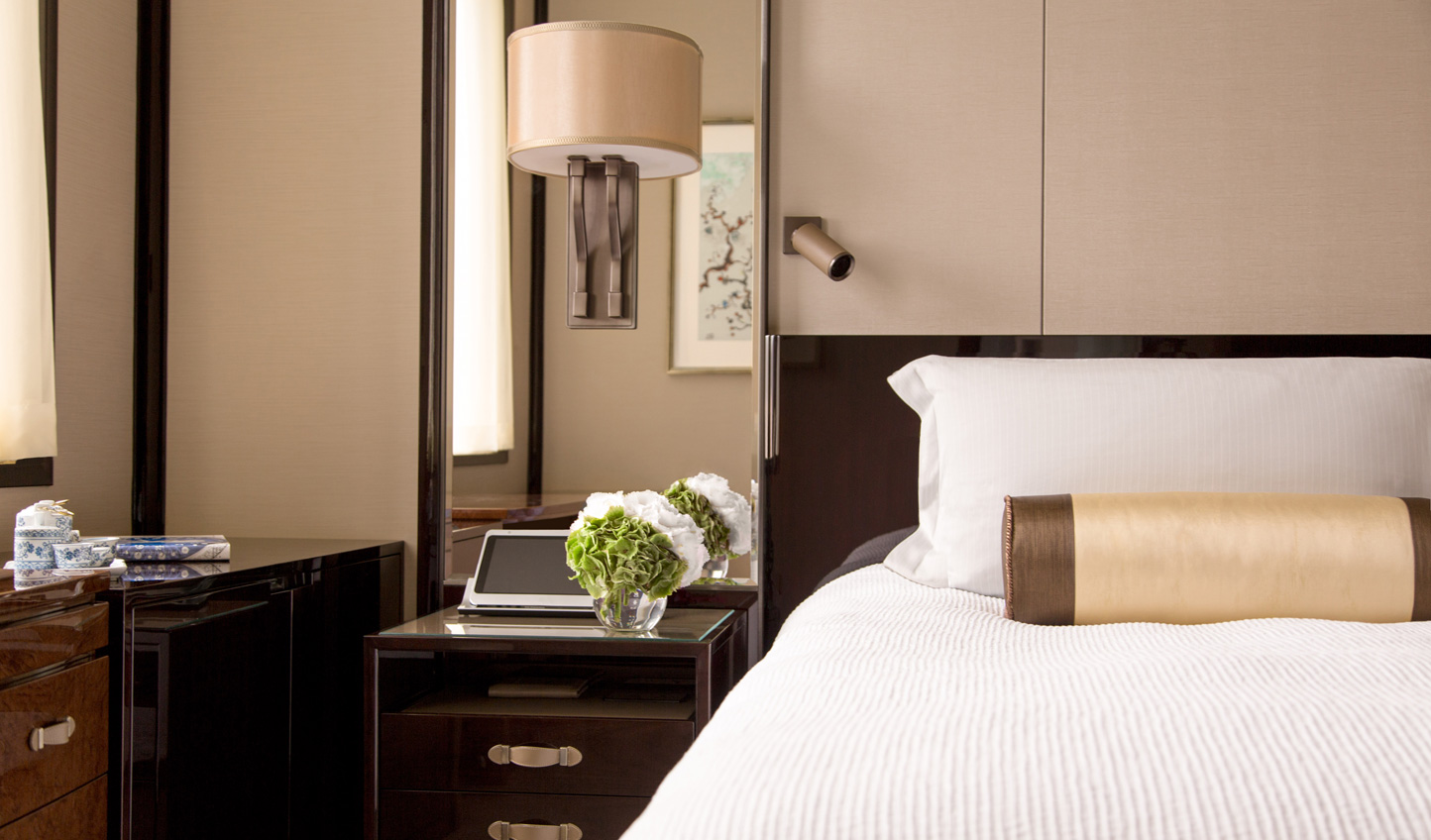 Fall back into sumptuously soft king size beds