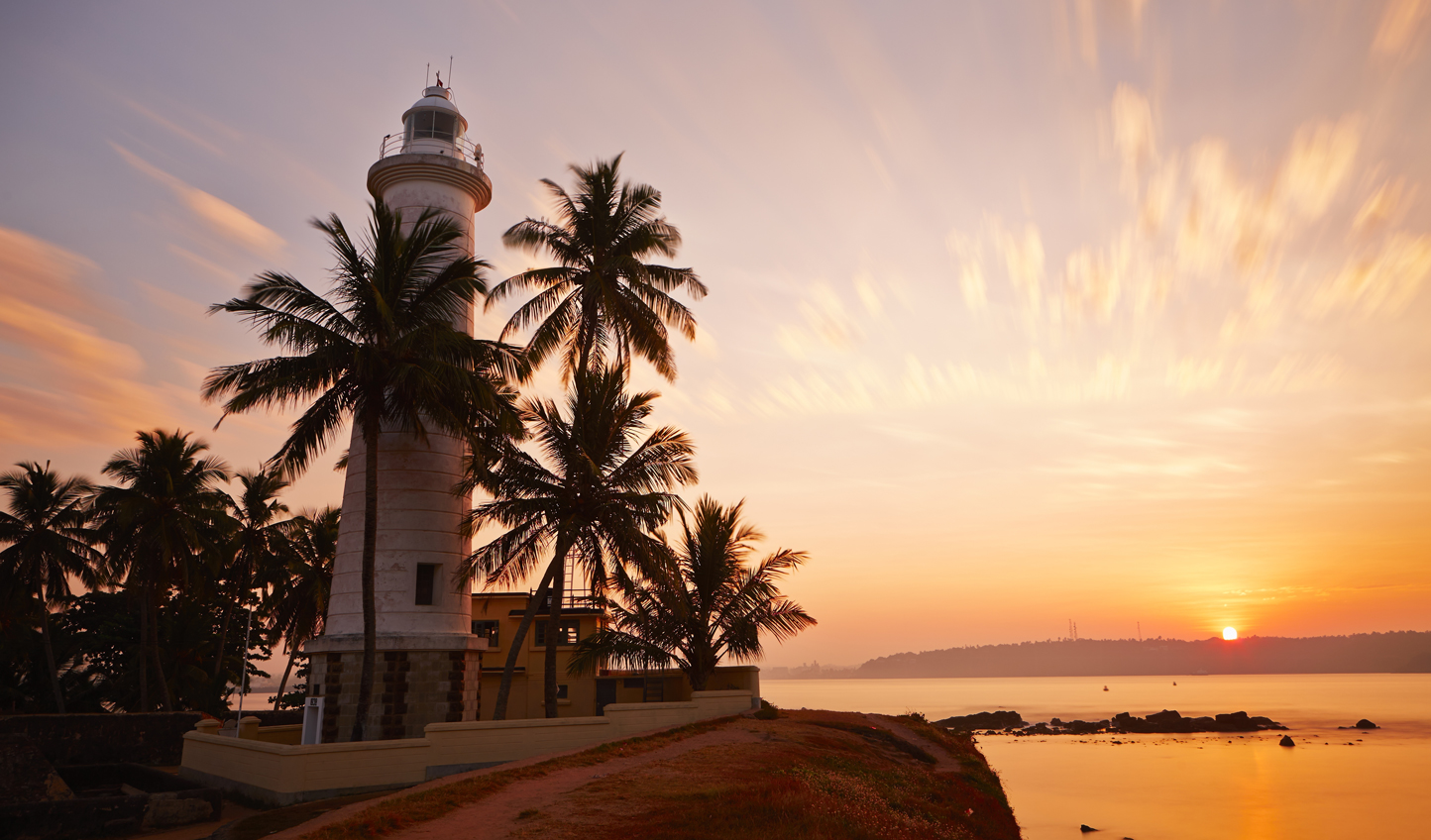 Galle-lighthouse-from-H.-Fi