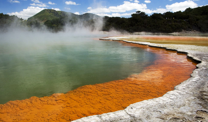 Rotorua steaming pools