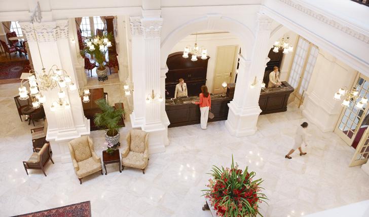 Raffles luxury hotel, Singapore