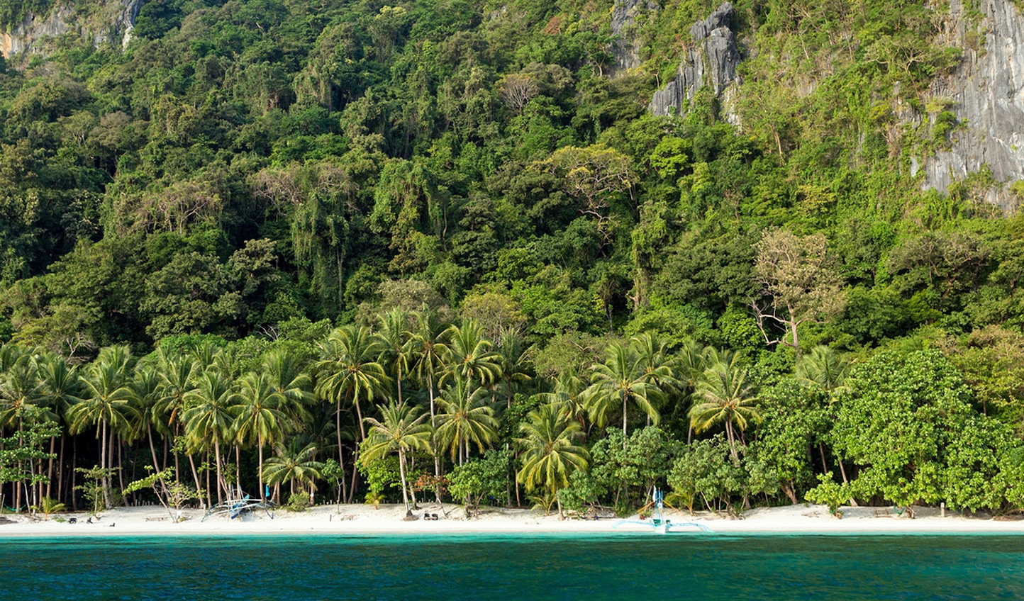 Just one of the many secluded beaches on Palawan