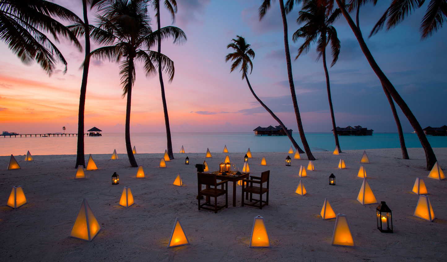 Romantic dinners with your toes in the sand