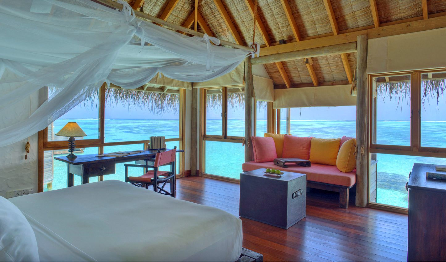 Wake up to calming views over the Indian Ocean