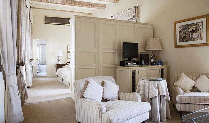 Rooms at the Xara