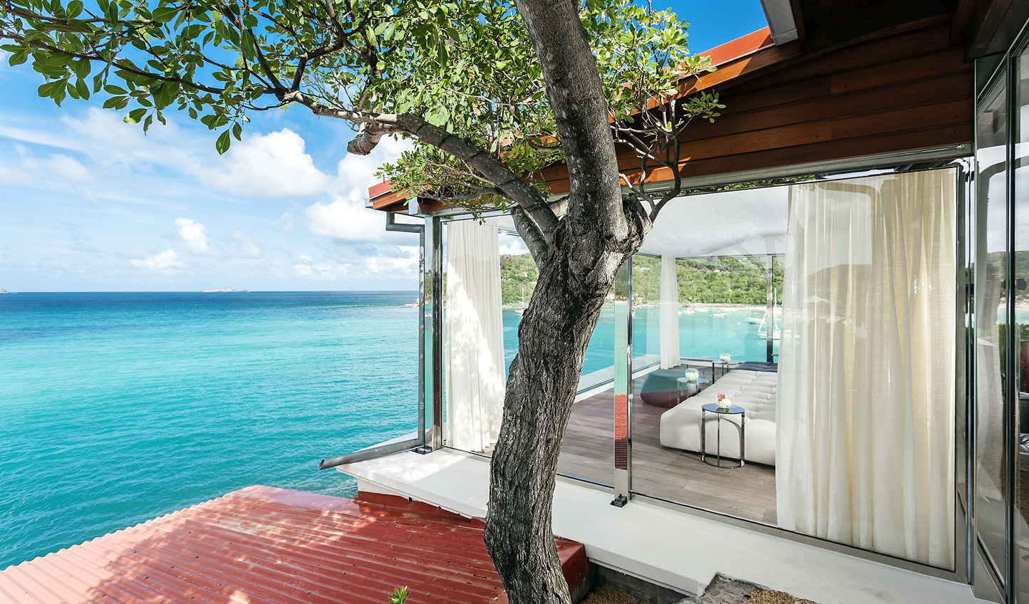 Forget the world for a few days in your private villa