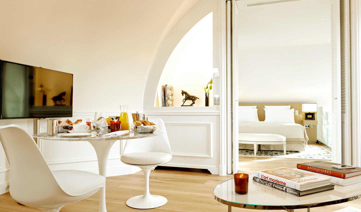 Whiter than white in the Palais Royal Suite