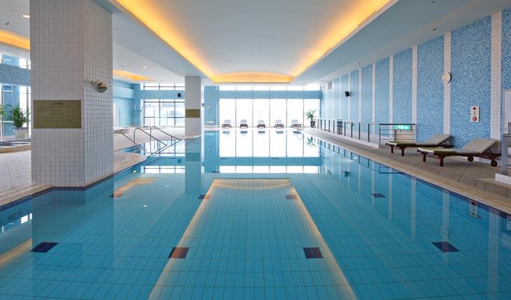 Swimming Pool at Tayih Landis Hotel