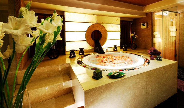 Luxury bathing