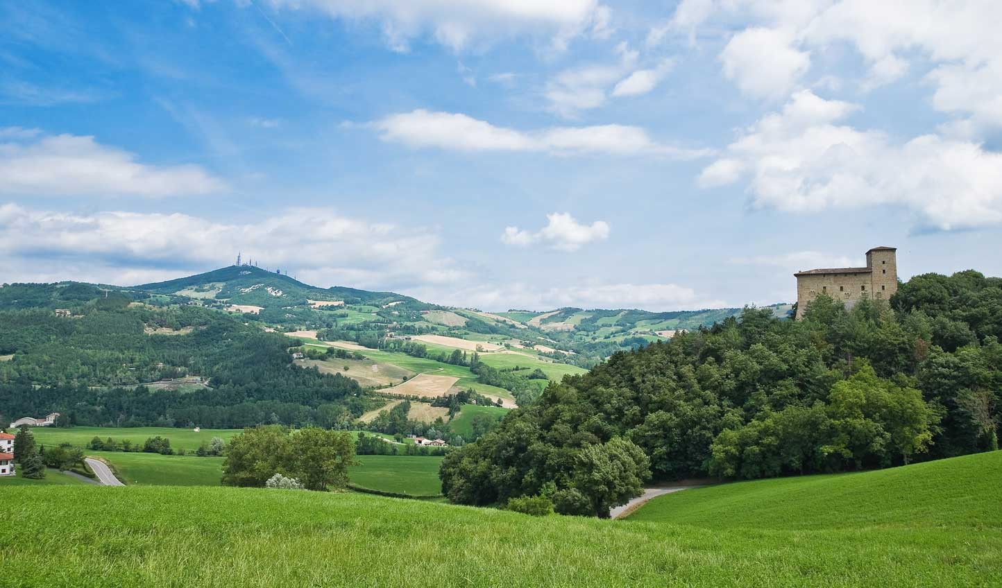 Discover the rolling green hills of Emilia Romagna's countryside