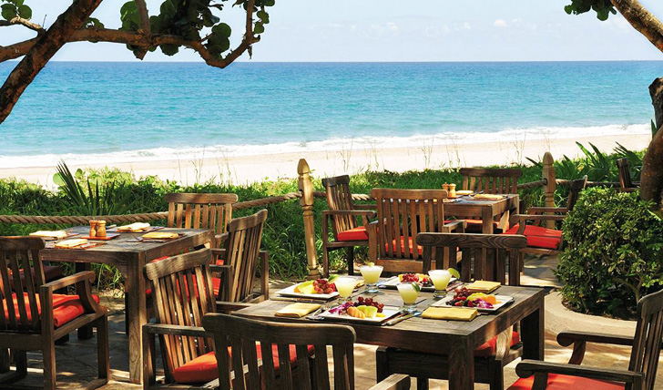 Enjoy your meal beside the beach