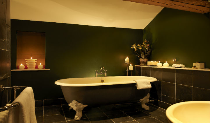 Bathe in stylish luxury at the Feversham Arms