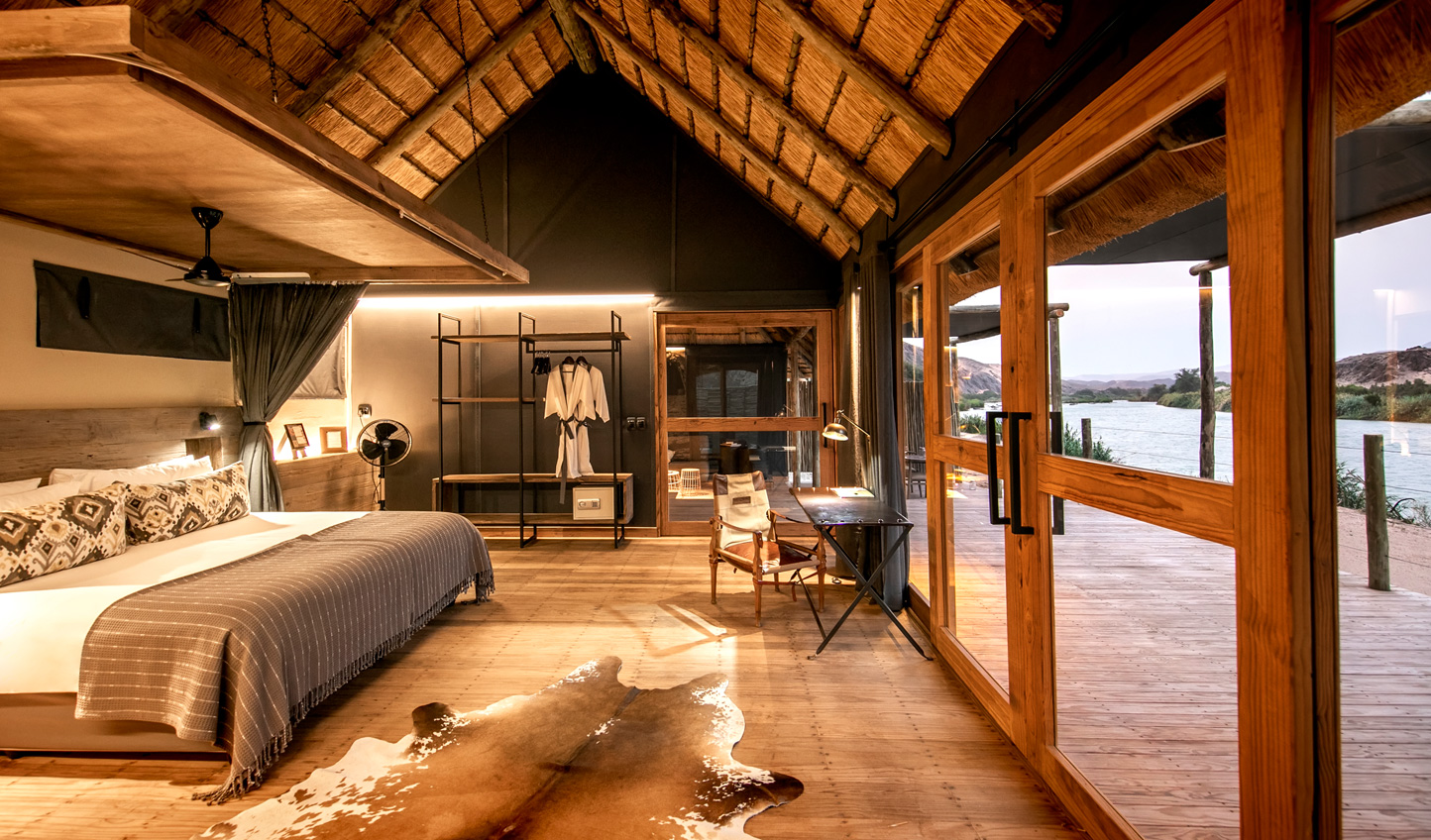 Wake up to panoramic views across this vast and remote land