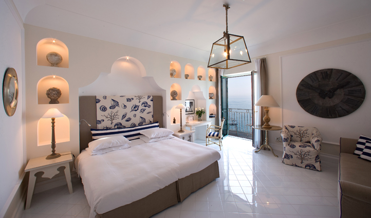 A nautical colour scheme complements the stunning sea views