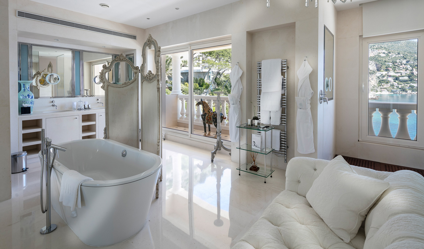 Sink into luxury in gorgeous bathrooms complete with freestanding bathtubs