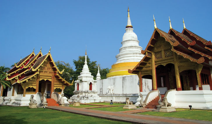 Wander the temples of Chaing Mai