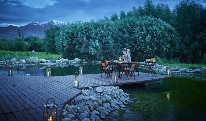 For a private moment, enjoy dinner on the dock