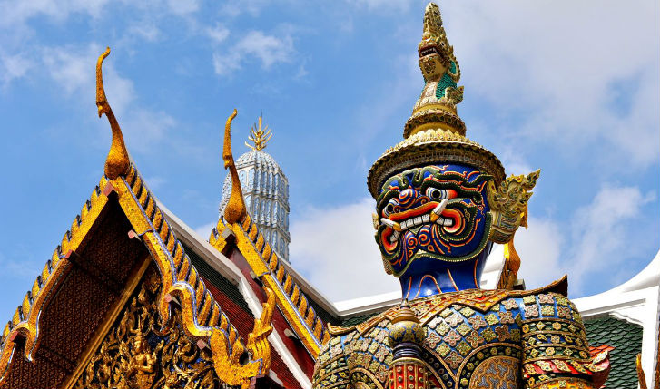 The colourful grand palace in bangkok
