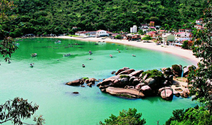 Discover gorgeous bays