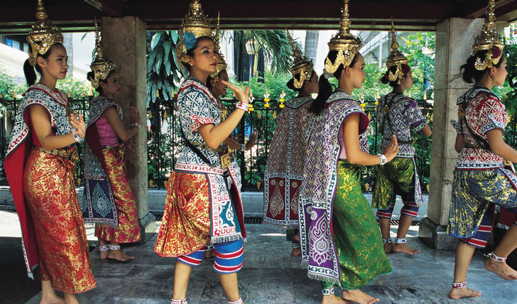 Traditional dances in Isaan