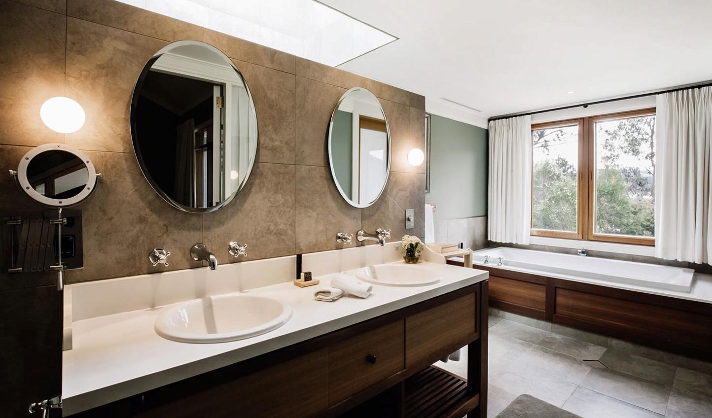 Sleek bathrooms bring luxury to the wilderness