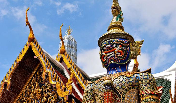 Visit bangkok's grand palace