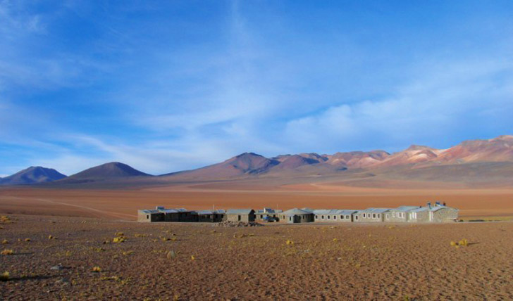 Lodge in the Siloli desert in Bolivia