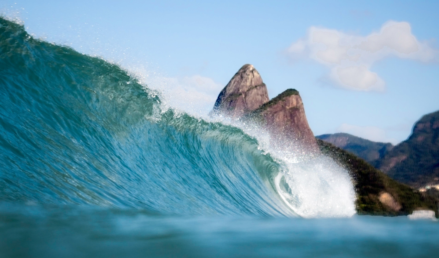 The rolling waves of Ipanema