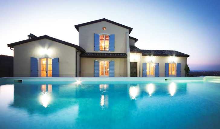 The pool at Condé Wine Resort, Italy