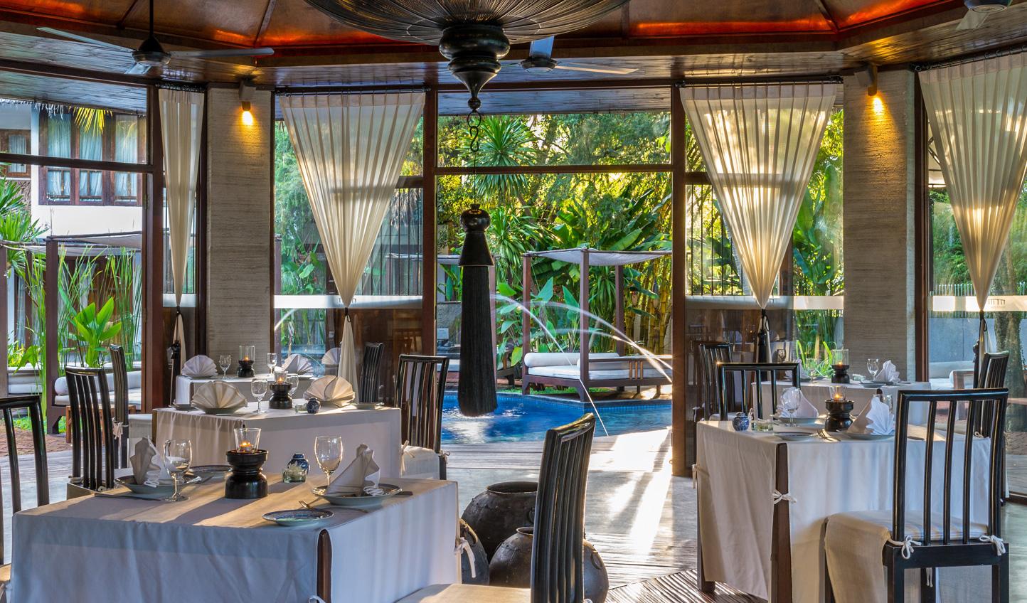 Dine amid a tropical oasis