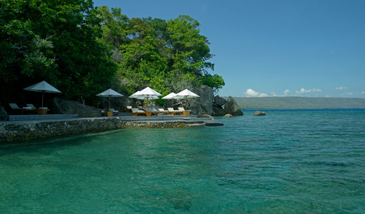 Refresh yourself in the Flores Sea