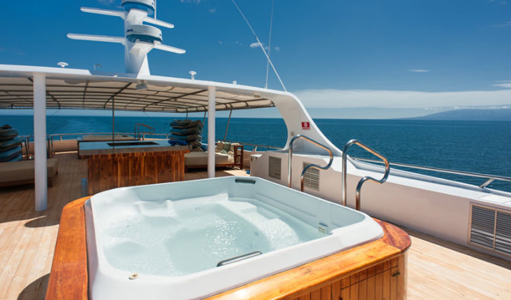 Luxury cruise on the M/Y Grand Odyssey, the Galápagos Islands