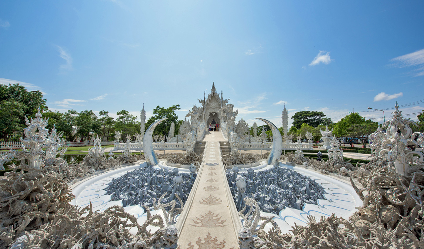 Discover the culture and history of Chang Rai at the White Temple