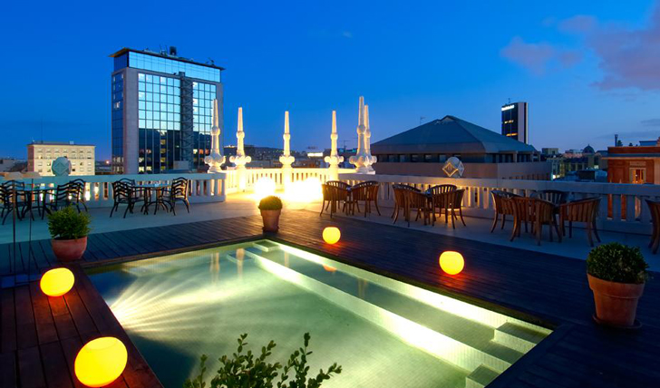Luxury hotel the Casa Fuster rooftop pool, Barcelona, Spain