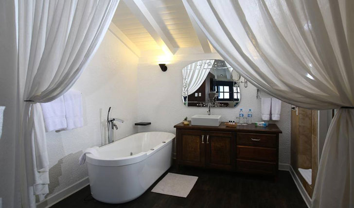 Luxury hotel bathroom at El Mercado Tunqui, Cusco, Peru