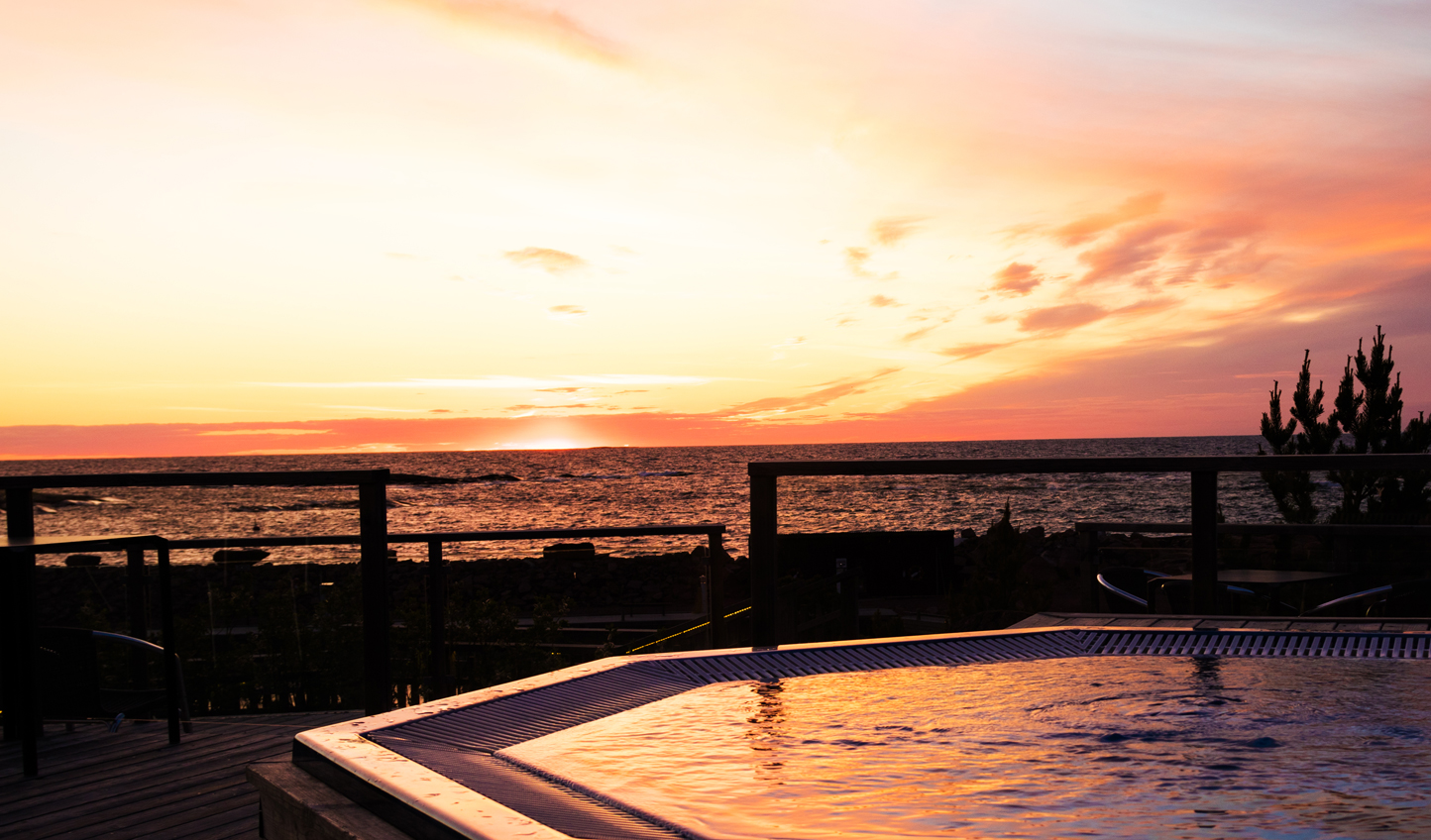 Watch the sunset from the comfort of your jacuzzi