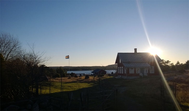 The sun setting over Silverskär