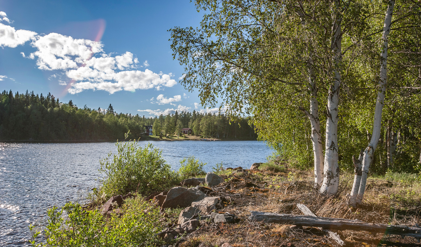 Swedish-Lapland-Lake-Summer