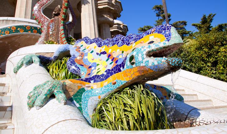 Gaudí's mosaic dragon statue