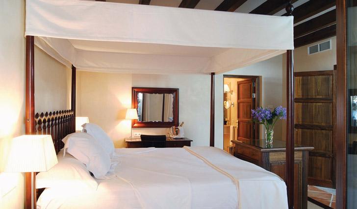 La Residencia Guestrooms