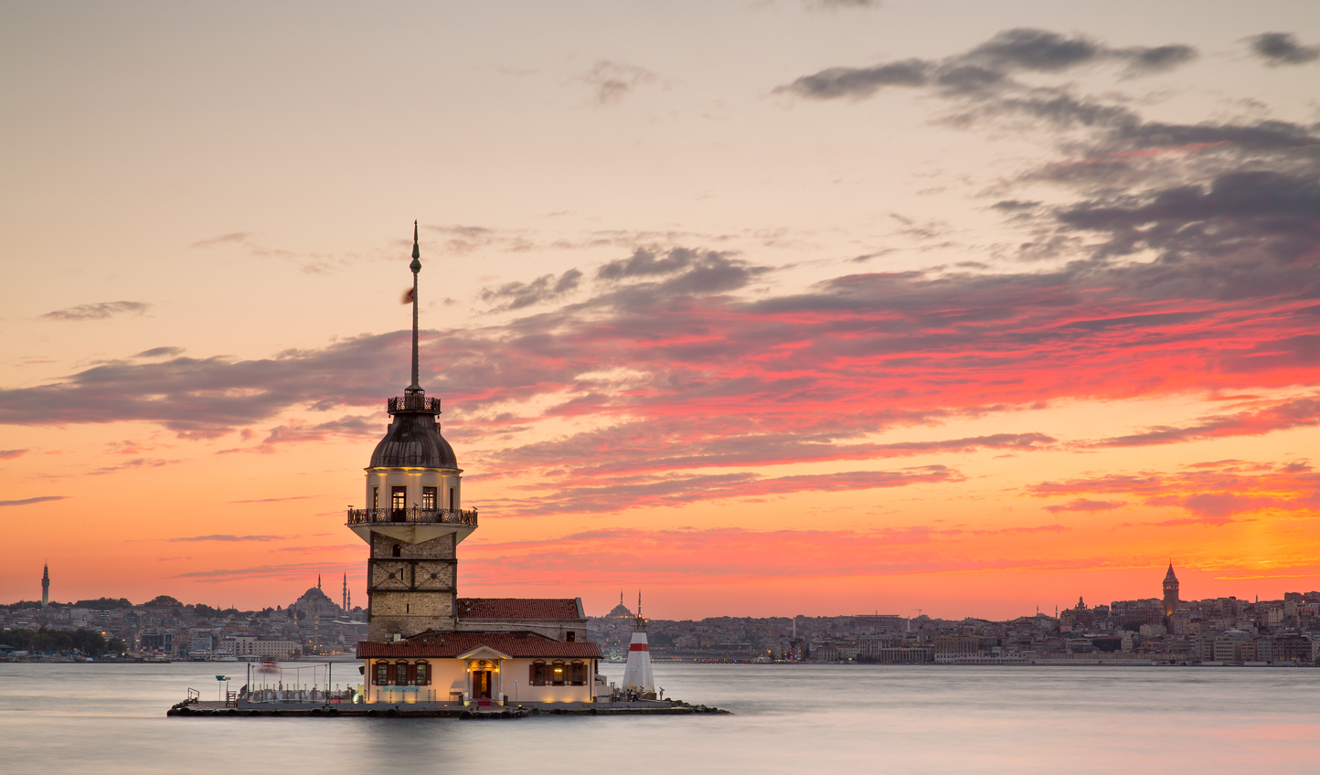 Sail down to Maiden's Tower