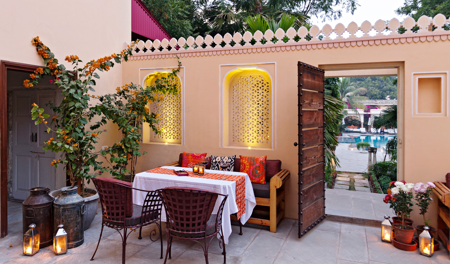 Dine out in the warmth of an evening in Jaipur