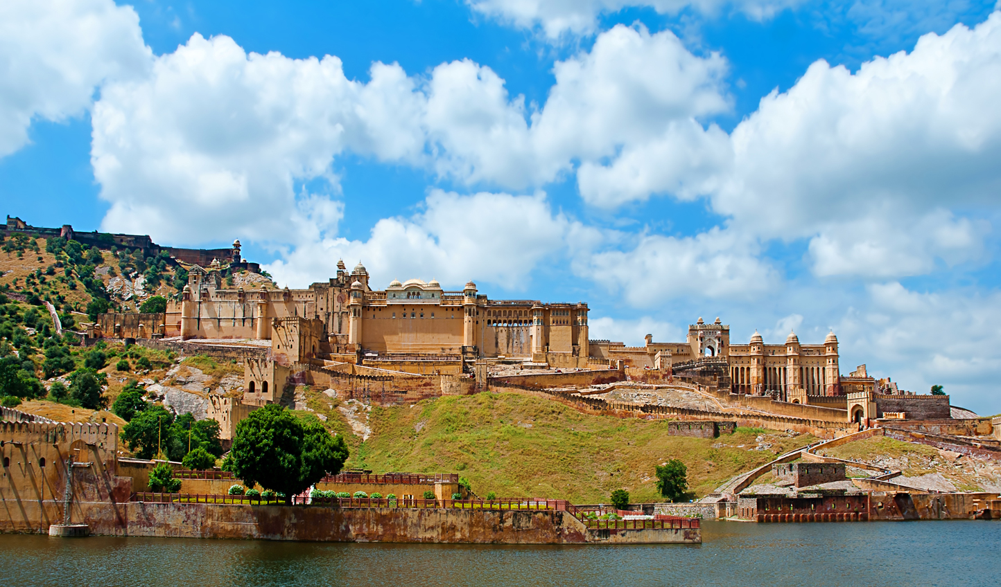 Discover the beautiful Amber Fort