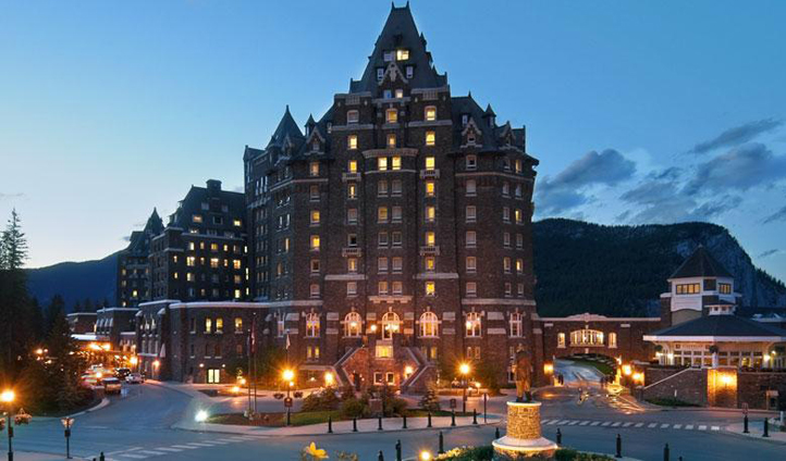 An impressive hotel in the heart of Banff