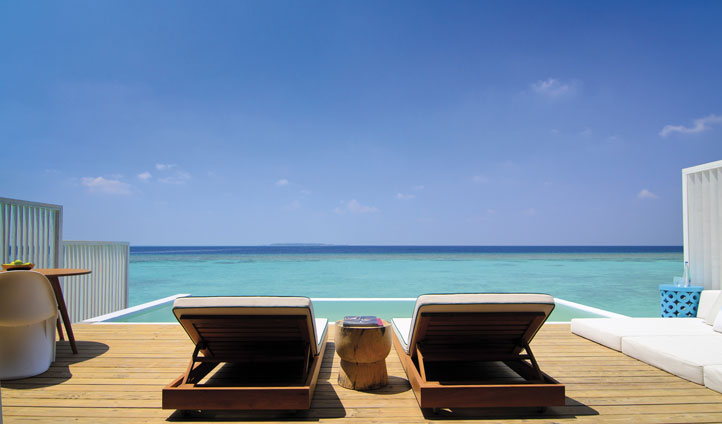Lagoon deck amilla fuishi, the maldives