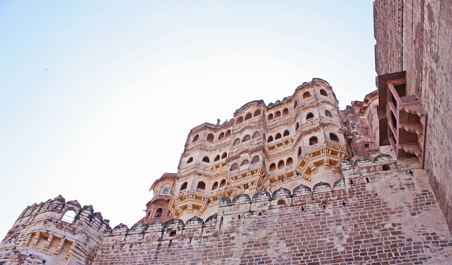 Marvel at the architecture of Mehrangarh Fort