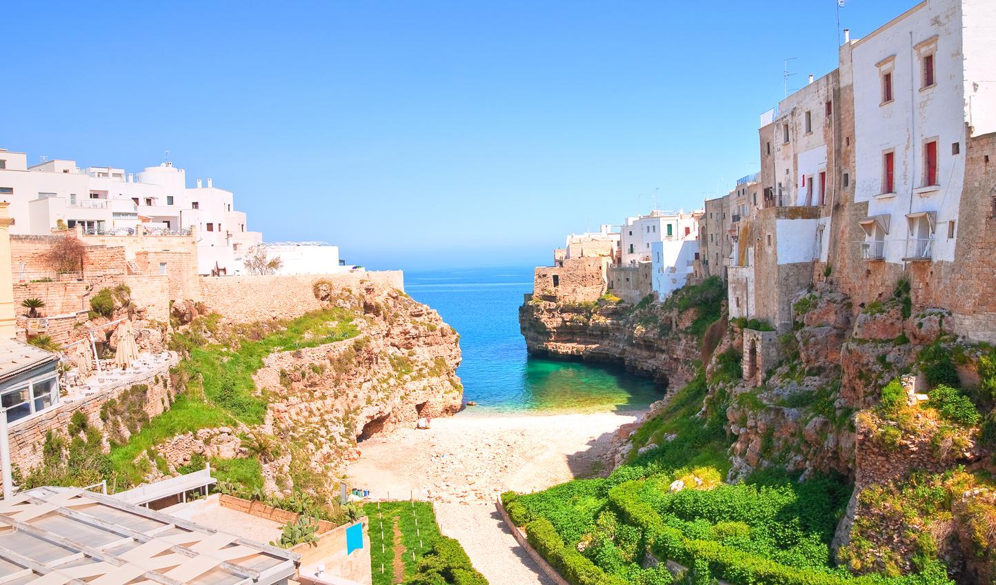 Uncover hidden beaches in Puglia