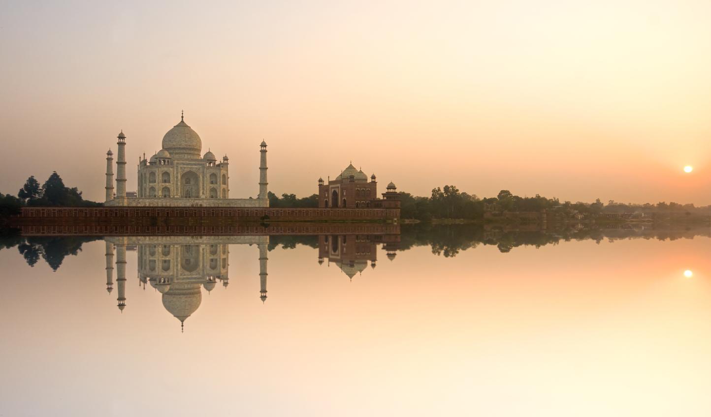 See the wonder of the Taj Mahal