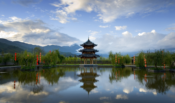 Banyan Tree Lijiang Pagoda